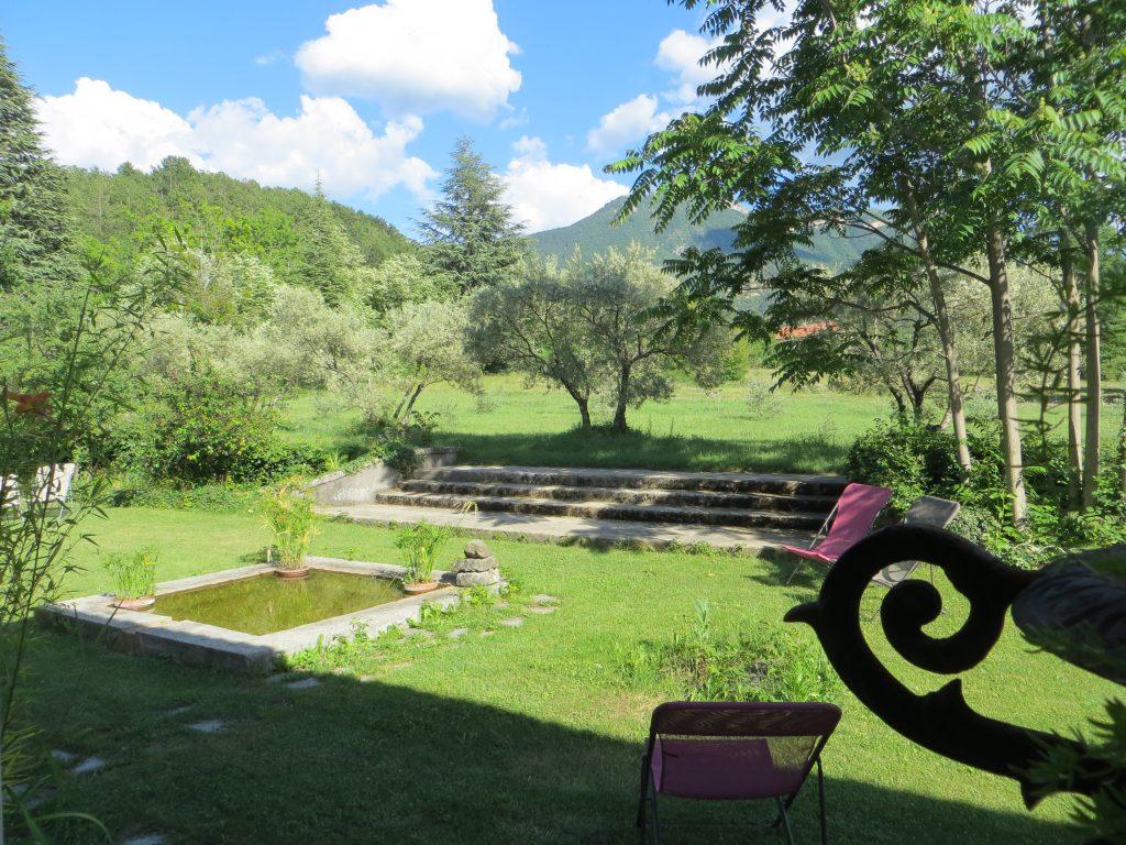 Espace bien-être dans le jardin de l'hôtel Villa Gaia