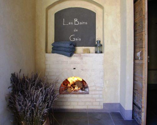 Le Bain de vapeur de la Villa Gaia chauffé au feu de bois
